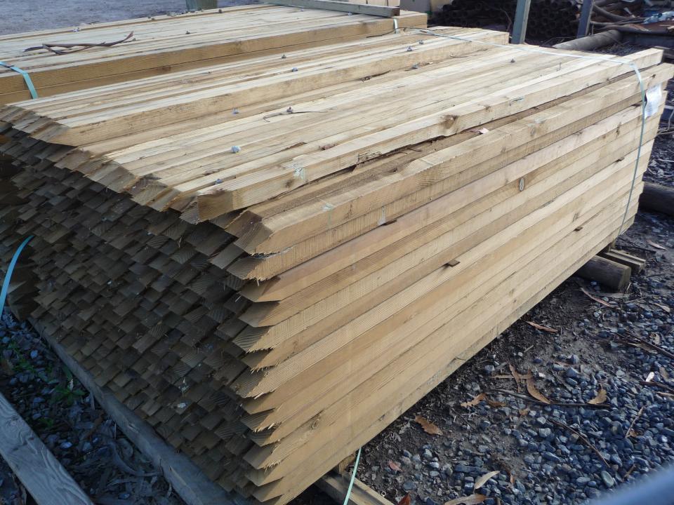 Wood Vineyard Stakes